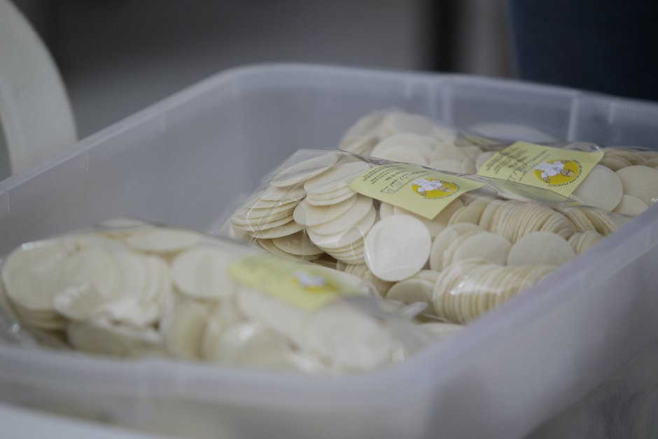 Na Fábrica Papa Francisco são produzidas 400 mil hóstias por mês