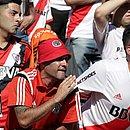 Torcedores esperaram mais de sete horas no estádio até a confirmação do canelamento da partida