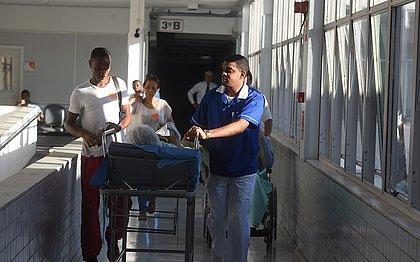 Maqueiro, não! App regula serviço de macas em hospital