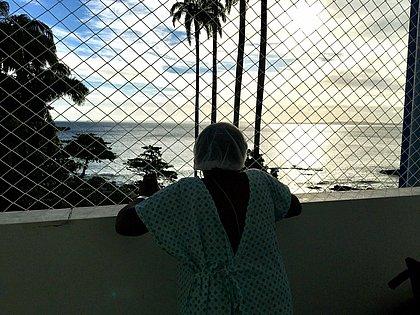 'Quando vi o mar, senti uma emoção bonita', diz idosa internada no Espanhol