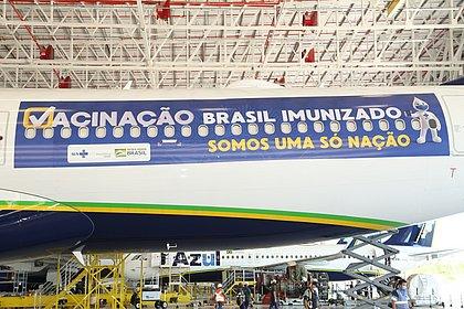 Vacinas da Índia chegam nesta sexta ao Brasil; governo promete distribuir no sábado