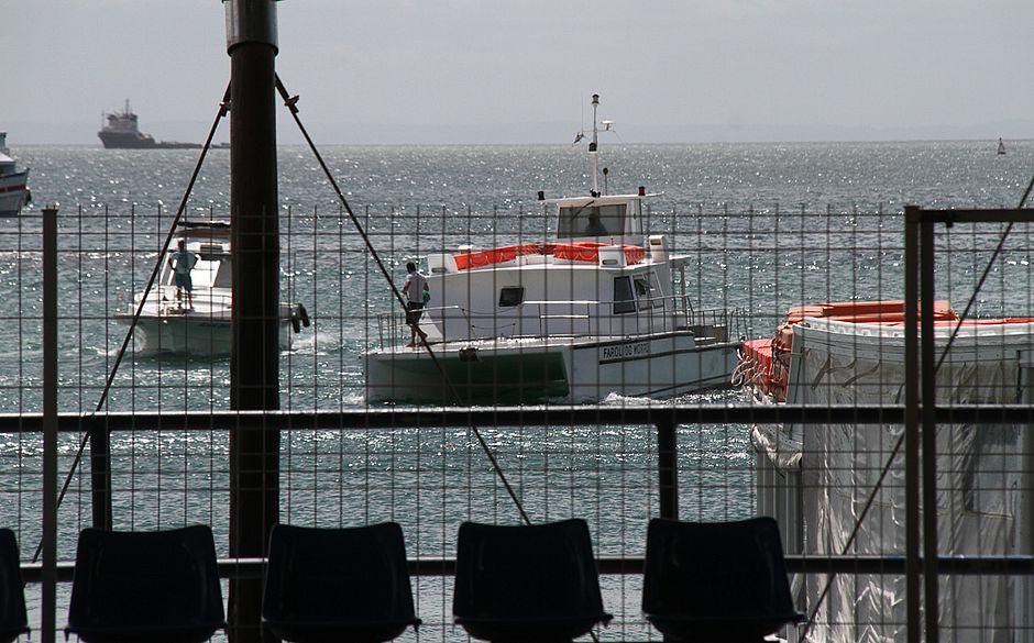 Após falha mecânica, catamarã leva 5h em travessia de Morro a Salvador