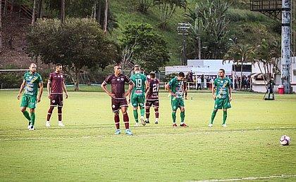 Bambam marcou um dos gols da vitória do Jacuipense sobre o Altos, mas não conseguiu evitar queda à Série D