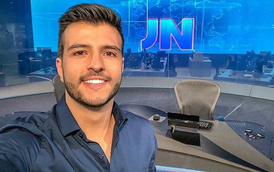 Jornalistas da Record se revoltam após contratação de ex-apresentador do JN