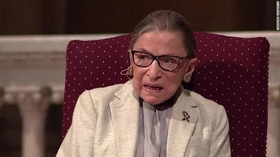 Icônica juíza da Suprema Corte dos EUA, Ruth Bader Ginsburg morre aos 87 anos