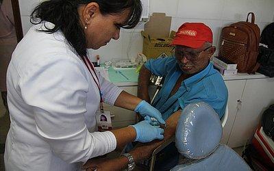 Seu Euzébio, de 68 anos, faz o exame todos os anos.