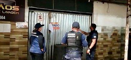 Dono de bar tranca 29 pessoas em Feira após chegada da fiscalização e foge