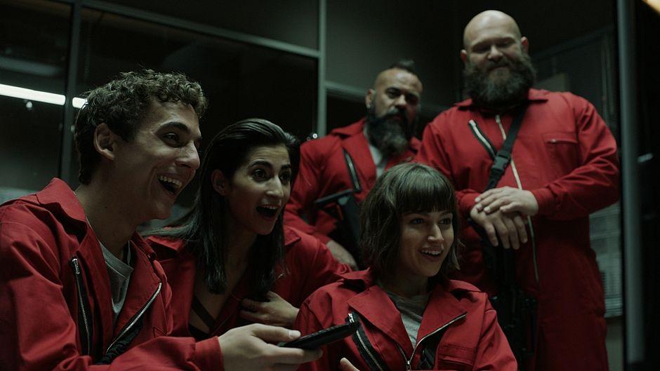 La Casa de Papel é a nova série da Netflix e uma das indicadas neste compiladão da repórter Vanessa Brunt