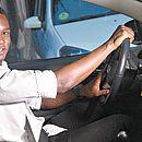 AllanBraga, 27 anos, da Liberdade, se divide entre ser motorista e barmanemodelo