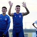 Ramírez afirma que não esperava ser titular do Bahia tão rápido e afirma que elenco tem buscado melhorar para salvar clube da degola