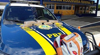 Passageira de ônibus presa na Bahia receberia R$ 3 mil para transportar 7kg de crack