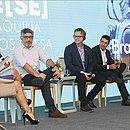 Painel reuniu Conrado Schlochauer, Frank Tyneski, Marcelo Arantes e Sil Bahia, com moderação de Flávia Oliveira
