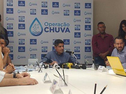 Coronavírus: ACM Neto assina decreto fechando escolas municipais e particulares por 15 dias