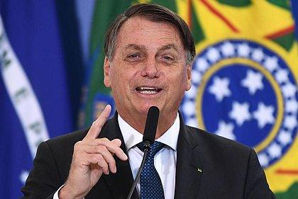 Bolsonaro lidera corrida presencial em todos os cenários, diz pesquisa