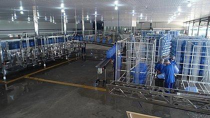 Nova fábrica de água mineral investe R$ 6 milhões em Sátiro Dias e vai gerar 63 empregos