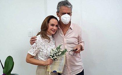 Chico Buarque e Carol Proner se casam em Petrópolis