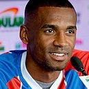 Marllon é apresentado oficialmente no Fazendão e se diz pronto para jogar contra o Santos no recomeço do Brasileirão