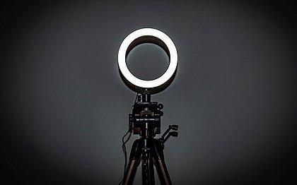 Ring Light é boa opção de iluminação para quem deseja fazer lives
