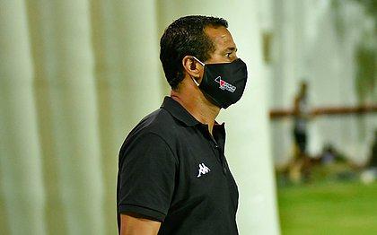 Rodrigo Chagas comanda o Vitória como interino desde a saída de Barroca