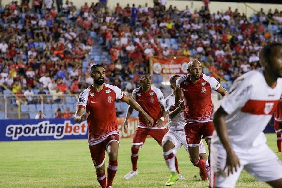 Copa do Nordeste começa com gol-relâmpago e virada no placar