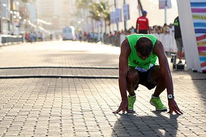 Corredores de mais de 190 cidades fazem a Maratona de Salvador