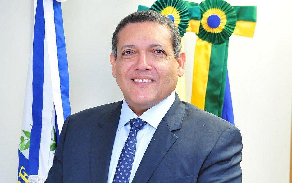 Bolsonaro anuncia indicação de Kassio Nunes Marques para vaga no STF