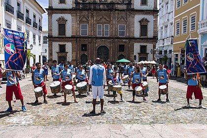 Mais de 40 músicos farão uma homenagem às vítimas da covid-19 no Terreiro de Jesus