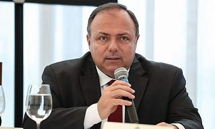 Estoques de cloroquina no país estão zerados, diz Pazuello