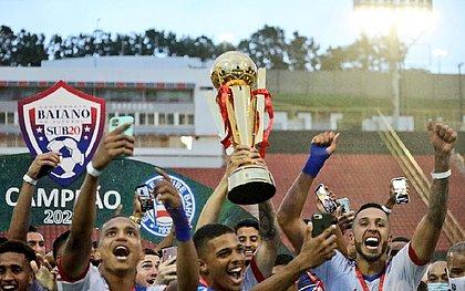 Bahia aproveitou a vantagem e levantou a taça de campeão baiano dentro do Barradão