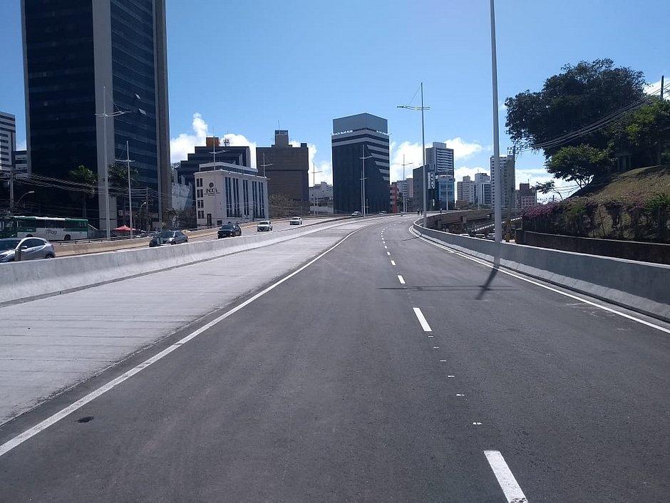 Elevado que liga Itaigara ao Shopping da Bahia é inaugurado em Salvador