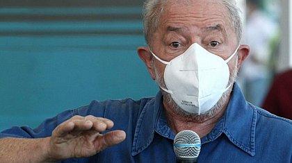 'Qualquer um é melhor do que essa coisa', diz Lula sobre Bolsonaro