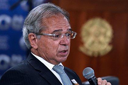 Brasil receberá 14 milhões de doses da Pfizer até junho, garante Paulo Guedes