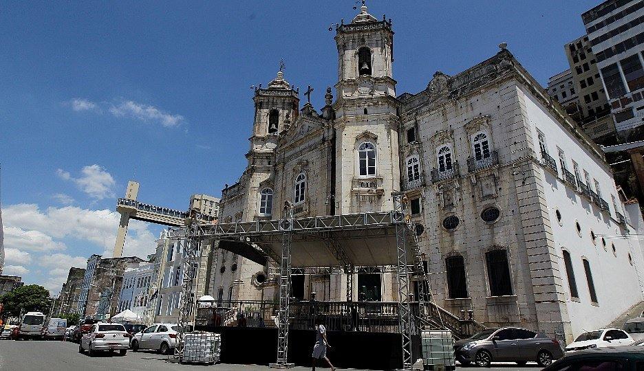 Domingo da padroeira da Bahia terá missas e procissão; confira