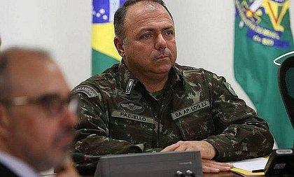 Pazuello promete vacinar metade dos brasileiros adultos até o meio do ano
