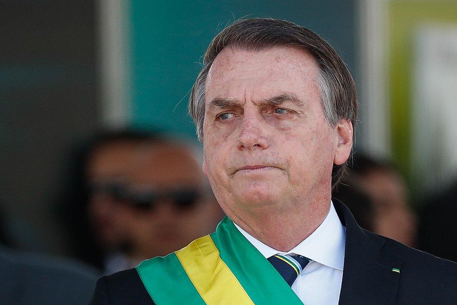 Bolsonaro diz que governo vai apurar falhas no Enem e que não descarta sabotagem