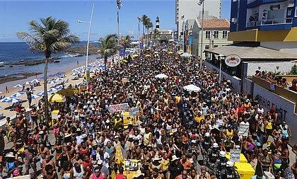 'Melhor parte do Carnaval', diz folião sobre arrastão com Léo Santana e Daniel Vieira