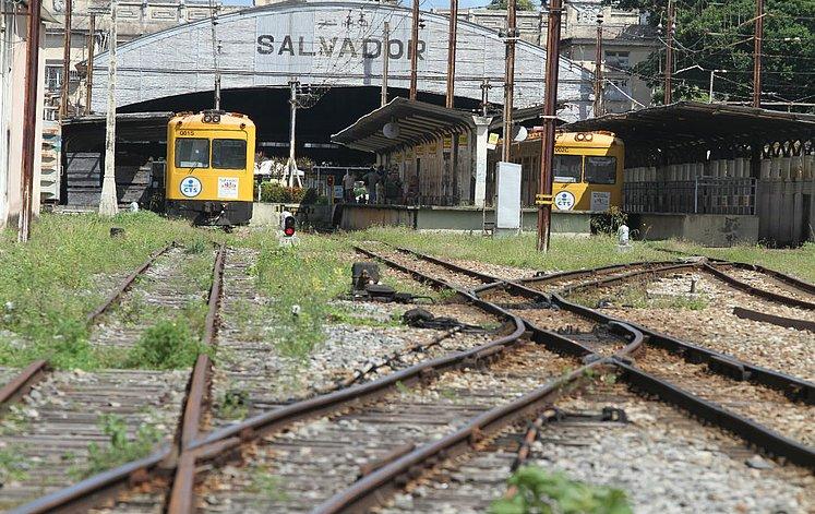 subúrbio ferroviário