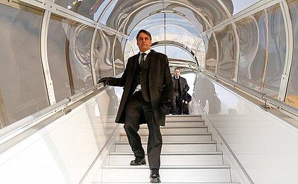 Após cirurgia, Bolsonaro vai trabalhar no hospital
