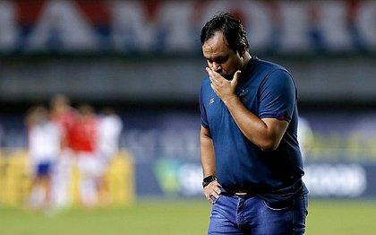 Técnico Dado Cavalcanti durante derrota por 1x0 para o Internacional, em Pituaçu
