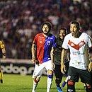 Com a camisa do Paraná, Fernando Neto enfrentou o Vitória na Vila Capanema, em 2019