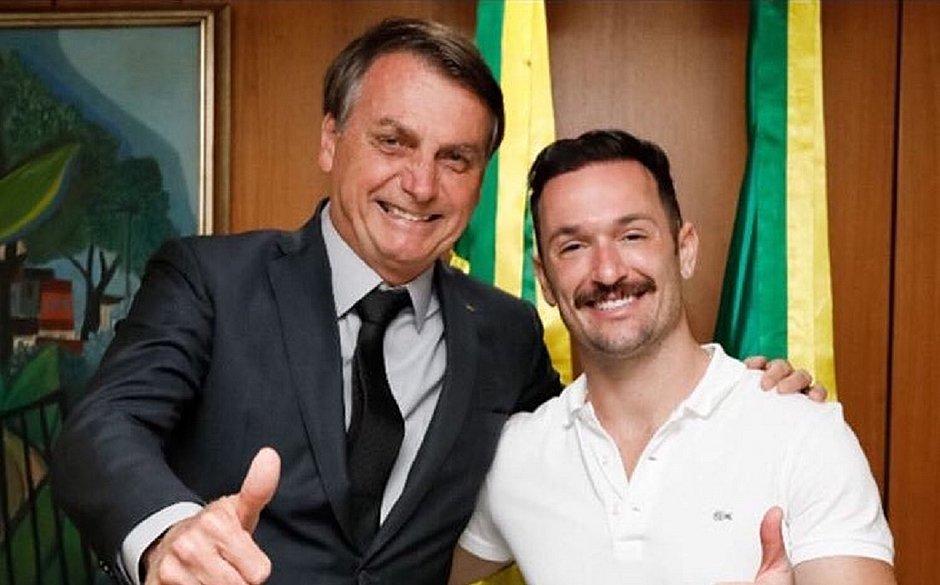 Após posar com Bolsonaro, Diego Hypólito é 'cancelado' e rebate: 'Sou de Deus'