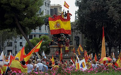 Manifestação anti-separatista em Barcelona.