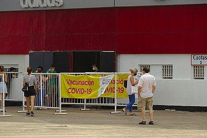 Opas vê queda de casos de covid na América do Sul por ciclo da doença e vacina