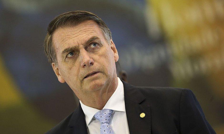 'Está chegando a hora de tudo ser colocado no seu devido lugar', diz Bolsonaro