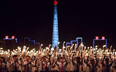 Desfile na Praça Kim Il Sung, em Pyongyang, em comemoração ao 70º aniversário do país.