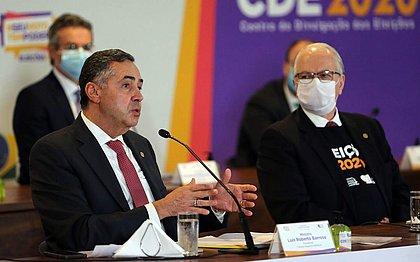 Barroso afirma que assassinatos por motivação política não são problema do TSE