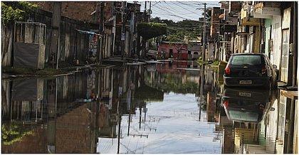 Moradores do Parque São Cristóvão contam prejuízos após alagamentos