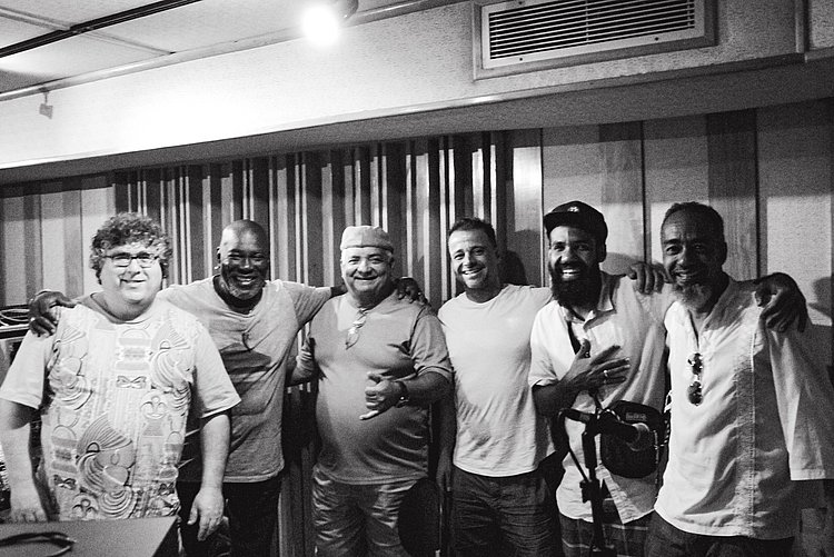 Orquestra Afrosinfônica lança disco para ouvir e lavar a alma