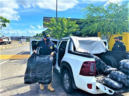 Após perseguição por três cidades, PRF apreende 266 kg de maconha em Abrantes