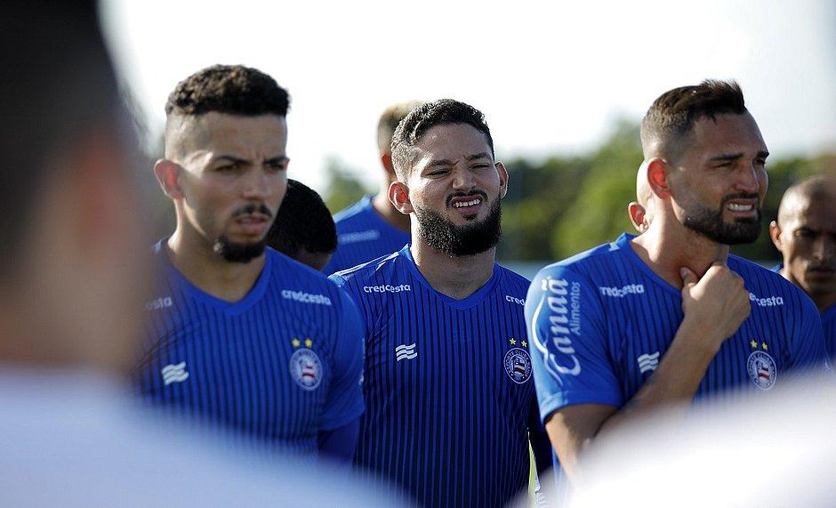 Jogadores vão ter corte no salário até que o futebol no Brasil seja retomado